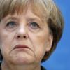 """Karl Lagerfeld stronca il look della Merkel, """"dovrebbe farsi fare qualcosa su misura che si adatti alle sue proporzioni"""""""