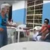 Vecchietta balla ondeggiando in maniera sensuale (VIDEO)