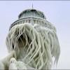 Le spettacolari sculture di ghiaccio create da vento ed acqua (FOTO)