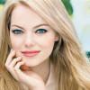 Emma Stone testimonial per il fondotinta Revlon Nearly Naked Make Up