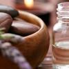 Tea Tree oil: un olio essenziale dalle infinite proprietà terapeutiche e cosmetiche