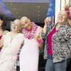 Gerdi ha il cancro, le sue amiche si rasano i capelli per solidarietà [VIDEO]