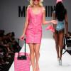 Boutique Moschino: sulle passerelle Sfila….Barbie!