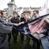 """Aborto: proteste a Bruxelles con cartelloni """"shock"""", la polizia interviene con la confisca [GALLERY]"""
