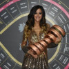 Giorgia Palmas, madrina del Giro d'Italia posiziona a Milano il Trofeo Senza Limite