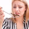Uno studio scozzese rivela che mangiare insetti taglia le emissioni nocive