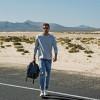 Il jeans dell'estate per l'uomo diventa una tendenza che si rinnova fino al classico
