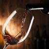 Se si beve troppo vino la colpa è del bicchiere