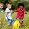 Iperconnessione e poca aria aperta aumentano il rischio di ossa fragili nei ragazzi