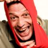 Il comico di Zelig, rovinato dal divorzio, è costretto a dormire in auto