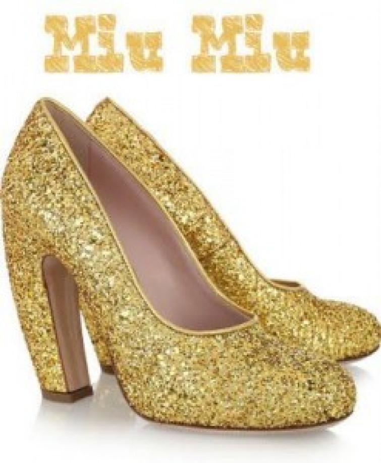 Le scarpe glitterate che illumineranno l'inverno