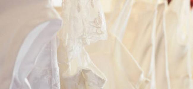 La sposa sceglie l'abito con lo sposo, addio superstizione