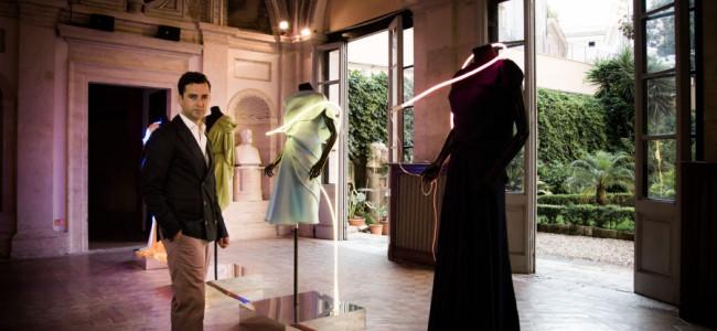 Altaroma, la neon – couture di Angelos Bratis