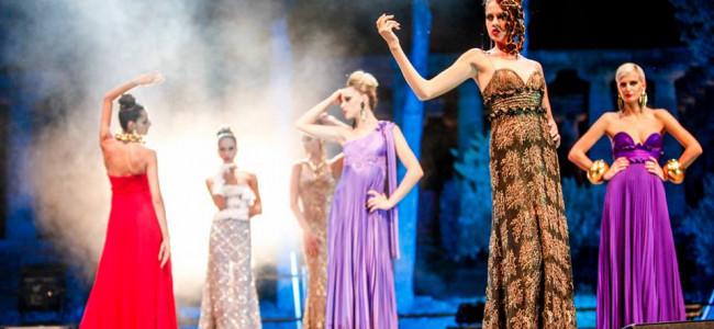 """Al """"Premio Fashion in Paestum """" l'alta moda di Michele Miglionico omaggia l'antica città della Magna Grecia"""