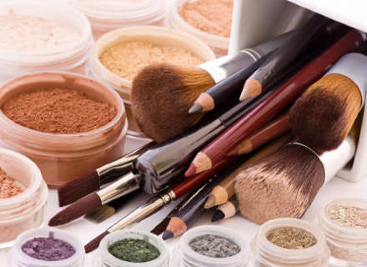 Il nickel, l'elemento chimico alla base dei prodotti cosmetici. Occhio alle allergie…