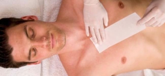 """Uomini sempre più depilati: impazza la """"brozilian"""", la mania di depilarsi le parti intime e non solo"""