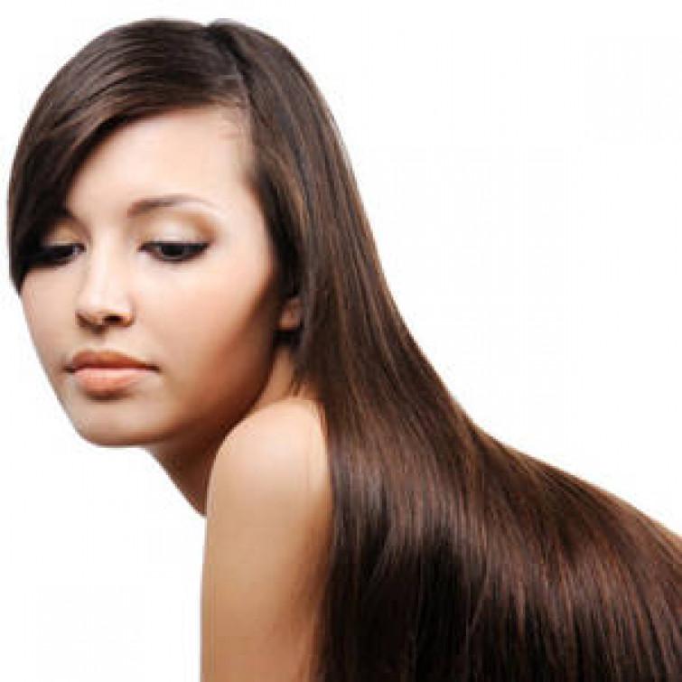 Come avere i capelli lisci senza piastra: la piega svedese