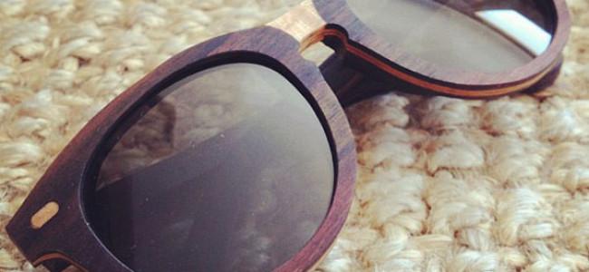 Occhiali da sole di legno: la moda che spopola nell'estate 2013