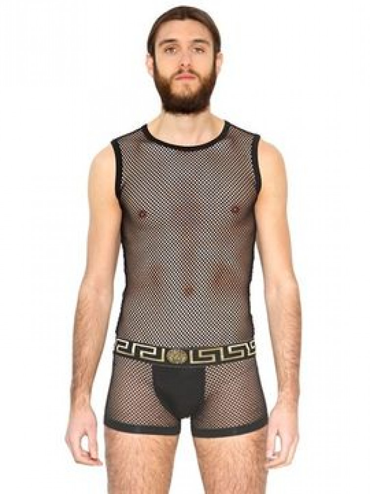 Versace lancia la casacca a rete per uomo