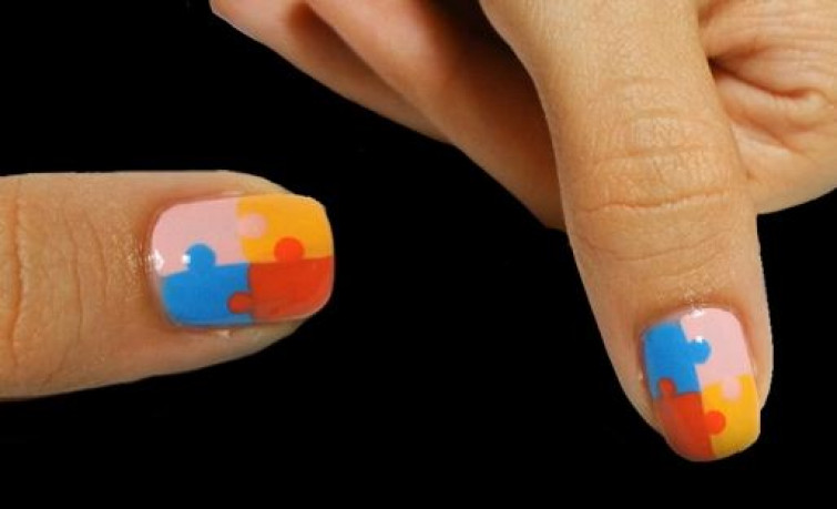 Nail Art: Puzzle tutorial (VIDEO)