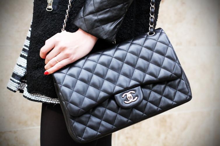Borsa Chanel rubata dentro una boutique di Milano