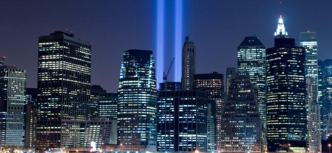 New York, le torri gemelle di luce per ricordare l'11 settembre (FOTO)
