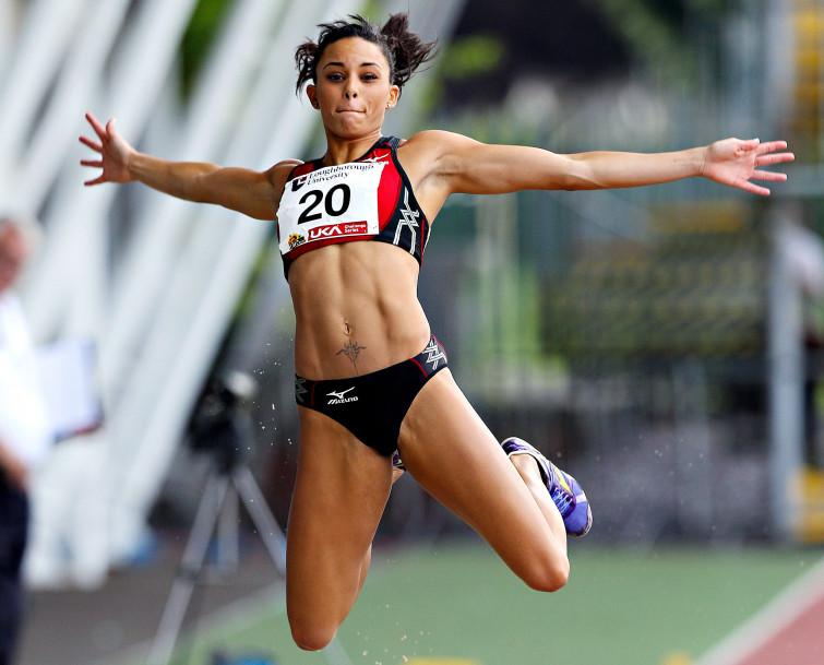Louise Hazel, campionessa di eptathlon, rivela i suoi segreti per perdere peso (VIDEO)