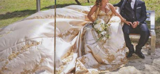 Matrimonio come in una fiaba: la sposa arriva in carrozza come una principessa