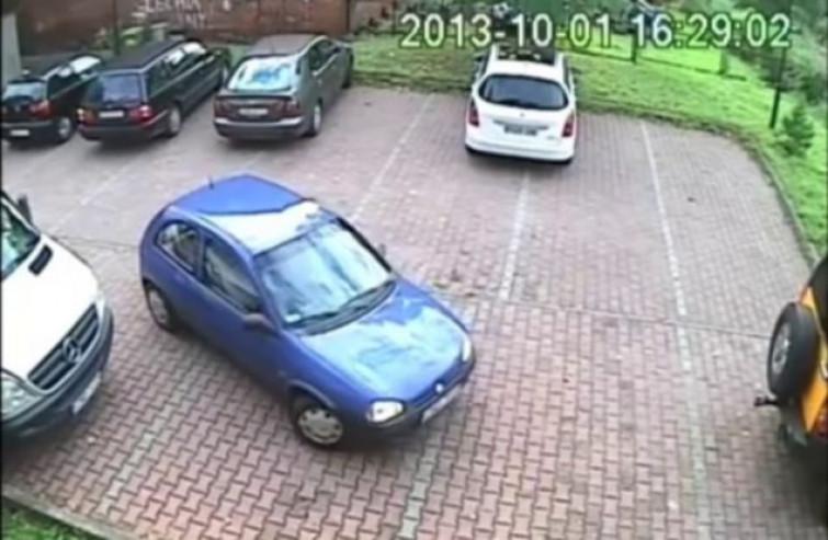 Come NON uscire da un parcheggio! [VIDEO]