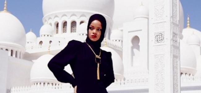 Abu Dhabi, Rihanna cacciata via da moschea [FOTO]