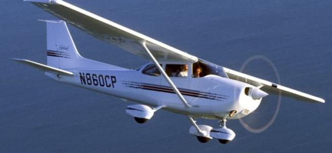 Pilota ha un malore, l'aereo atterra grazie al passeggero