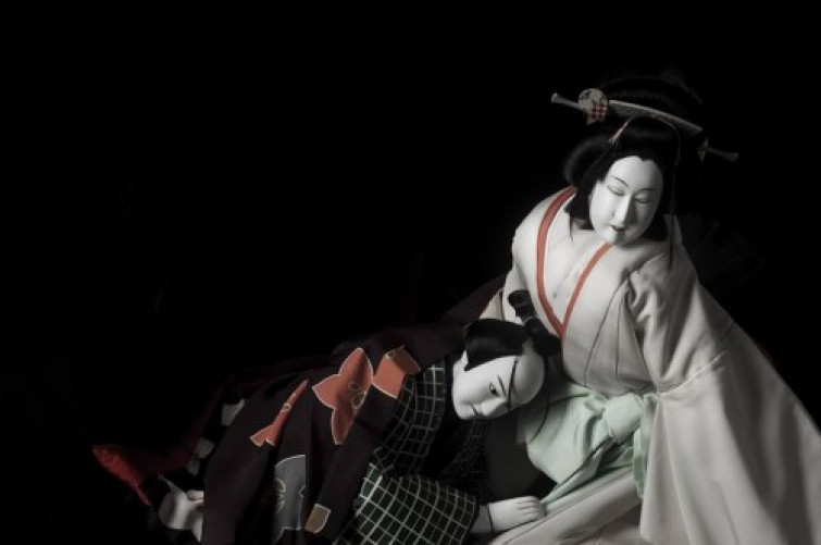 CoSTUME NATIONAL supporta la performance di Sugimoto Bunraku