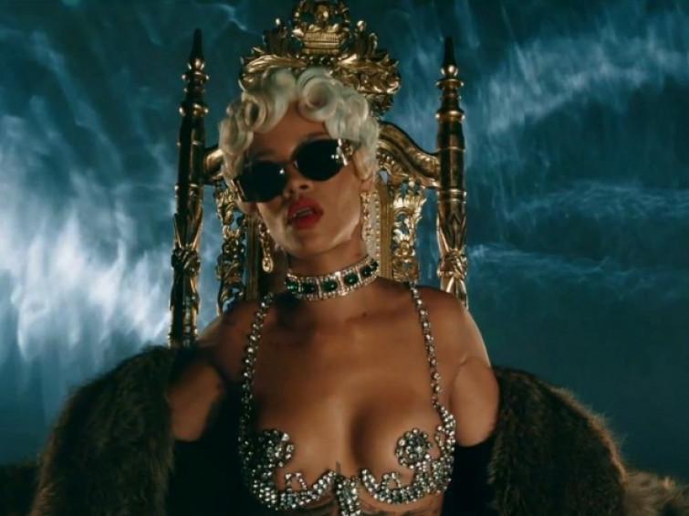 Rihanna hot nel video Pour it up fa 500.000 visualizzazioni in 24 ore