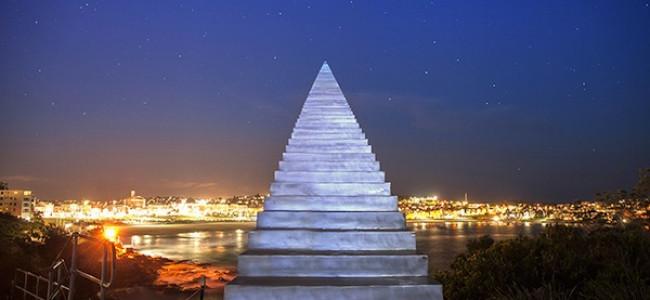 Australia, artista costruisce scala verso il cielo [FOTO]
