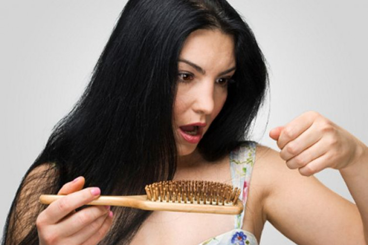 S.O.S caduta capelli?! Ecco come contrastarla ed avere una chioma forte e fluente!