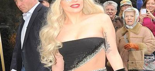 Avvistata Lady Gaga in total look Versace