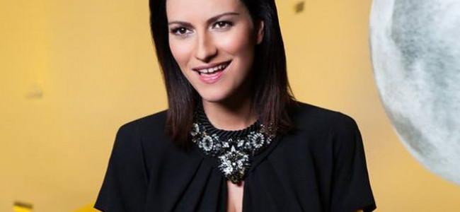 """Laura Pausini indossa Swarosvski nel video della canzone """"Se non te"""""""