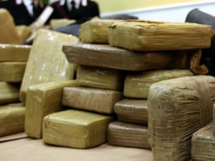 Da Santo Domingo ad Ascoli Piceno: 300 kg di cocaina nascosta tra le banane