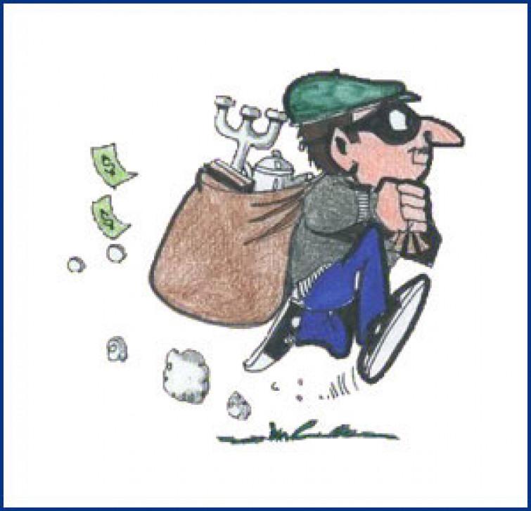 Ladro maldestro lascia i documenti nella casa appena svaligiata