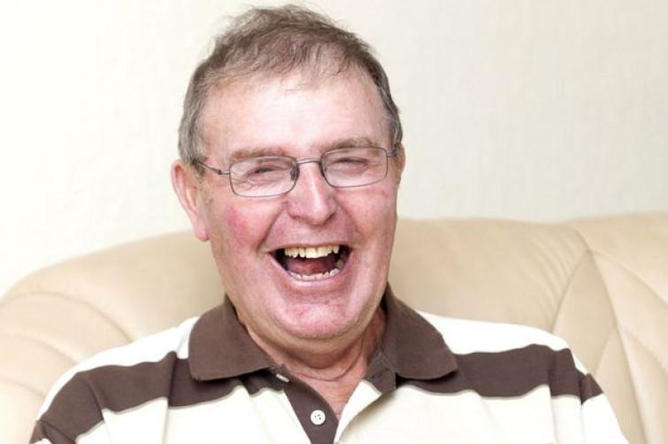 Mr Happy: l'uomo che a causa di un ictus non può essere triste