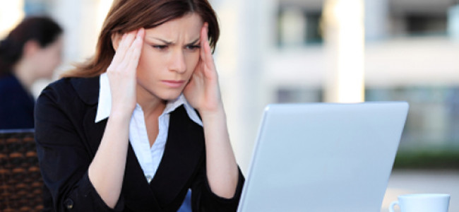 Astenopia: cause, soggetti a rischio e rimedi naturali per gli occhi stanchi e arrossati