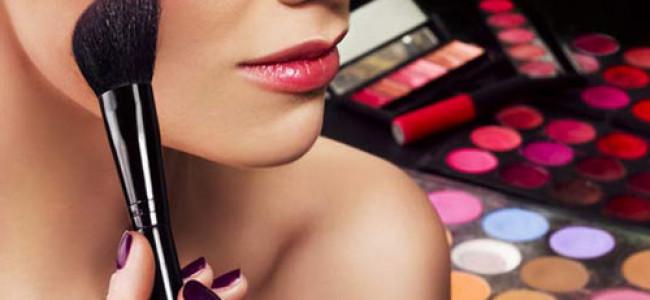 Cosmetici: come riconoscere quelli contraffatti ed evitare gli ingredienti dannosi