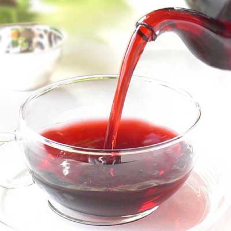 Dopo le abbuffate natalizie, depuratevi col tè rosso, un prezioso regalo dall'Africa
