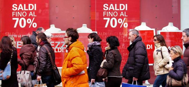 Iniziano gli sconti: le date di tutta Italia