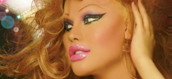 Spende 100.000 dollari per assomigliare ad una bambola di plastica [FOTO]