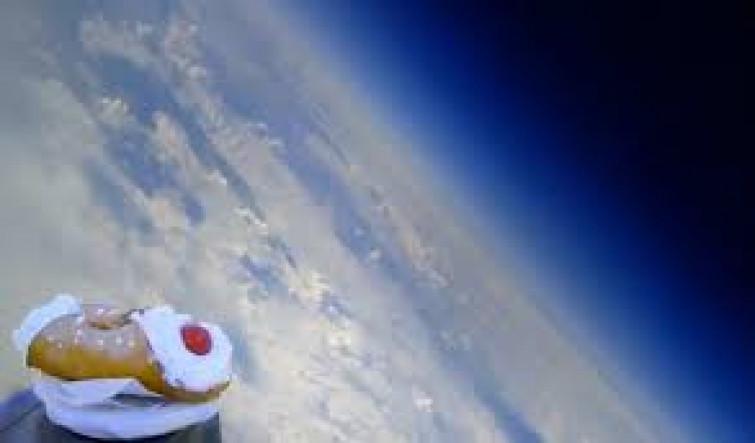 """""""Sicilian Space Program"""": il cannolo lanciato nello spazio"""