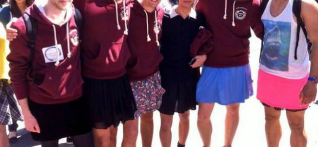 Maschi e femmine a scuola con la gonna per la parità dei sessi [FOTO]