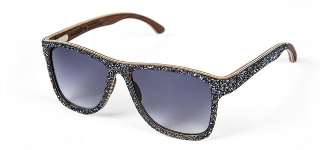 WooDone e gli occhiali con i glitter
