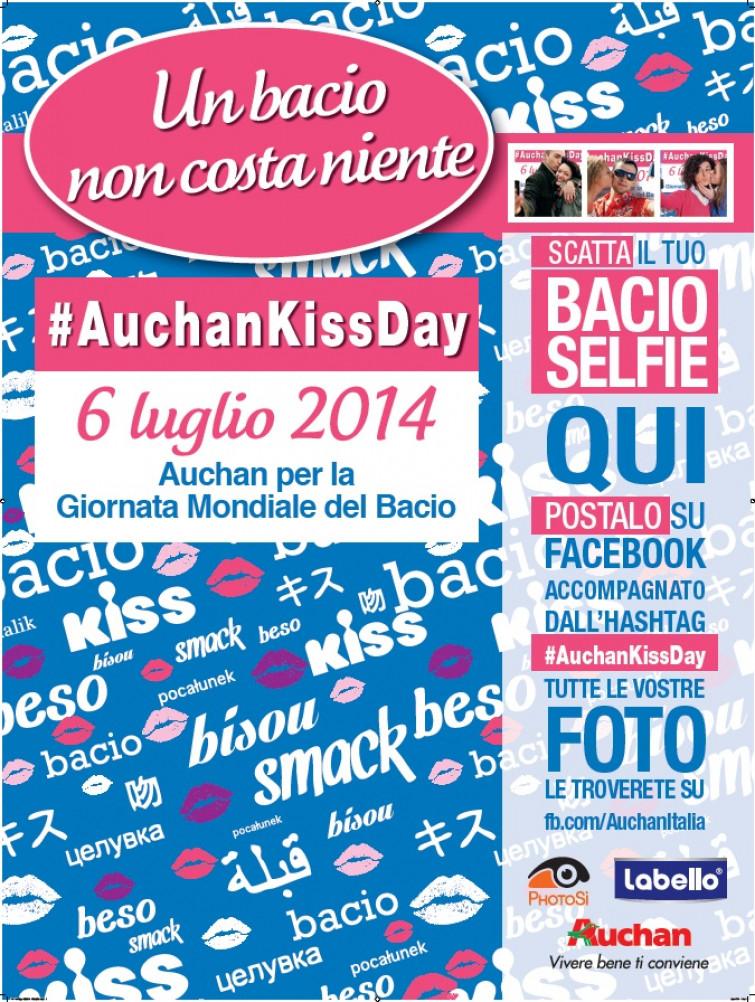 Curiosità, domenica 6 luglio l'Auchan Kiss Day: un selfie al bacio in tutti gli ipermercati d'Italia