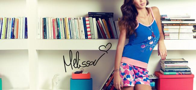 Colorata e sensuale, ecco l'estate con Buccia di Mela!
